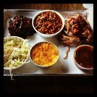 รูปภาพถ่ายที่ Smoque BBQ โดย Cory B. เมื่อ 9/21/2012