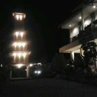 Photo taken at Jambu luwuk batu resort & convetion hall by Aurelius A. on 6/4/2014