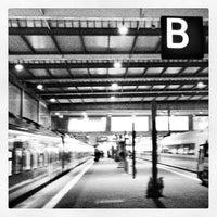 Photo taken at München Hauptbahnhof by David H. on 2/27/2013