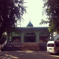 Photo taken at มัสยิด อันนูรแม่สาย by Munir M. Nid on 12/5/2013