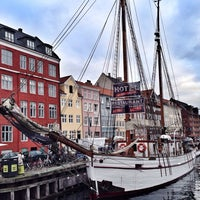 Photo taken at Nyhavnsbroen by Ozge A. on 12/2/2013