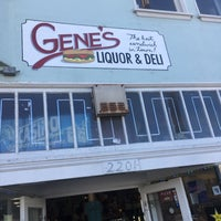 Photo taken at Gene's Liquor And Deli by Thomas M. on 1/1/2017