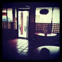 Photo taken at Tanto Pizza by Carlos L. on 6/12/2013
