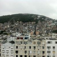 Foto tirada no(a) South American Copacabana por Zaghawa K. em 11/8/2012