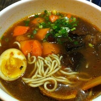 Photo taken at Dong's Beef Noodles 董家台灣牛肉麵 by Teri on 12/5/2012