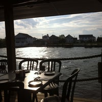 Photo taken at Harpoon Hanna's by Missy S. on 5/11/2013
