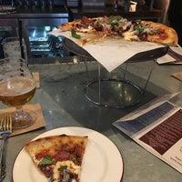 Foto tomada en Bar Siena por Matt E. el 10/27/2017