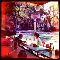Photo prise au Caffé Toscano par Jorge Alberto T. le2/10/2013