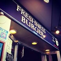 Foto tirada no(a) Freshness Burger por Ryo N. em 11/2/2012