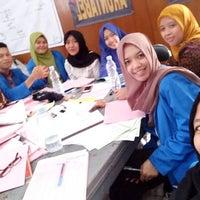 Photo taken at Dinas Kesehatan (DinKes) Kota Bandung by Annisa N. on 1/18/2017