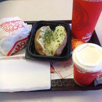 Photo taken at Wendy's by Roy M. on 6/1/2013