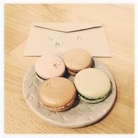 Foto scattata a Chez Dodo - Artisan Macarons & Café da Hordós il 6/17/2018