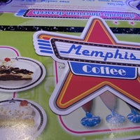 Photo taken at Memphis Coffee by Alexandre A. on 2/16/2013