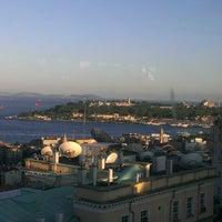 6/21/2013 tarihinde Marko J.ziyaretçi tarafından Richmond İstanbul'de çekilen fotoğraf