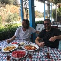Photo prise au Gümüşlük Balık Pişirme Evi par Erdem Ç. le9/6/2018