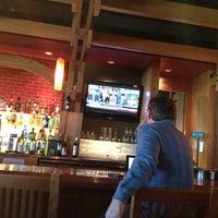 Foto diambil di Rock Bottom Restaurant & Brewery oleh Jason T. pada 4/3/2013