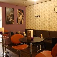 Foto tomada en El Encanto Cocktail Bar por El Encanto Cocktail Bar el 2/10/2015