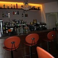 Foto tomada en El Encanto Cocktail Bar por El Encanto Cocktail Bar el 2/13/2015