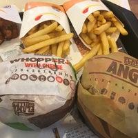 Das Foto wurde bei Burger King von Rodessa B. am 12/16/2017 aufgenommen