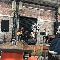 Foto tomada en Pinche Gringo BBQ Warehouse por Estefi E. el 5/4/2018