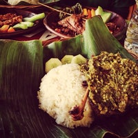 "Photo taken at Bebek Ireng Suroboyo ""Cak Baz"" by Ferdian F. on 9/29/2013"