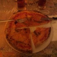 Foto scattata a Osteria Pizzeria Margherita da Maurizio M. il 5/13/2014