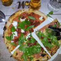 Foto scattata a Osteria Pizzeria Margherita da Maurizio M. il 11/23/2013
