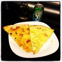Photo taken at Mulino Pizzeria by Ricardo A. on 2/21/2013