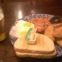 Photo taken at The Beehive  (Wetherspoon) by Geoff E. on 1/8/2017