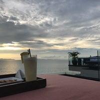 Photo taken at Air Bar · InterContinental Samui Baan Taling Ngam Resort by Kyosuke W. on 5/27/2017