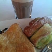 Das Foto wurde bei Coffee House von Päivi K. am 9/10/2014 aufgenommen