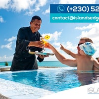 Foto diambil di Islands Edge Luxury Villas oleh leleti b. pada 6/30/2015
