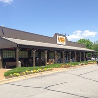 Photo taken at Cracker Barrel Old Country Store by Walter R. on 5/2/2014