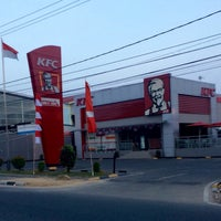 Photo taken at KFC by A H. on 8/6/2017