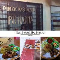 """รูปภาพถ่ายที่ Pondok Nasi Kebuli """"Ibu Hanna"""" โดย A H. เมื่อ 6/26/2015"""