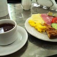 Foto scattata a Hotel Yes da Ken il 12/2/2012