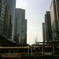Photo taken at 品川駅港南口バスターミナル by Ken on 3/17/2013