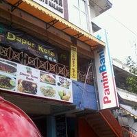 Photo taken at Pasar Besar Kota Malang by Nene on 3/4/2013