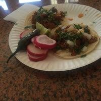 9/4/2015 tarihinde Billy A.ziyaretçi tarafından El Sauz Tacos'de çekilen fotoğraf