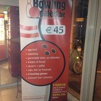 Photo taken at Bowlingpaleis by Matthias V. on 10/27/2012