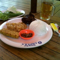 Photo taken at Warung Nasi AMPERA by Andry D. on 12/26/2012