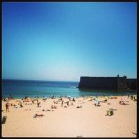 Foto tirada no(a) Praia da Torre por Bruno S. em 6/12/2013