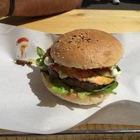 Das Foto wurde bei Triple B - Beef Burger Brothers von Patrick am 5/6/2015 aufgenommen