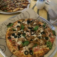Photo taken at Pieology Pizzeria by ALVIE G. on 5/4/2015