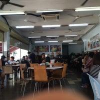 Photo taken at Restoran Super Kitchen Chilli Pan Mee (辣椒板面) by Tan S. on 10/18/2017
