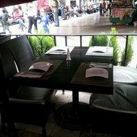 Foto tomada en Casa Valadez Anfitrión & Gourmet por Andres G. el 9/28/2012
