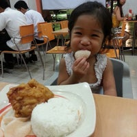 Photo taken at Chowking by Ailene M. on 7/9/2013