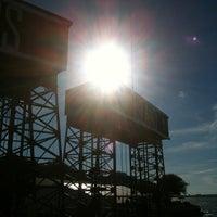 Das Foto wurde bei Governors Island Ferry - Soissons Dock Terminal von fred r. am 9/9/2013 aufgenommen