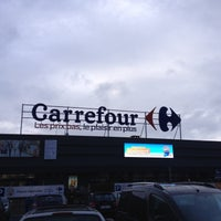 Photo taken at Carrefour hypermarché by Maxime M. on 2/21/2015