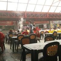 Foto tirada no(a) Praça de Alimentação do Dom Pedro por Ronne W. em 12/29/2012